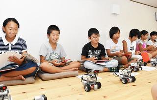新庄村ロボット02.jpg